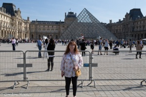 Melanie at the Pyramide du Louvre